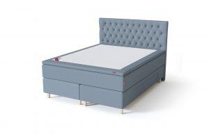 Sleepwell BLACK Continental tipo dvigulė miegamojo lova su stalčiais, BLACK Solhall chester tipo lovos galvūgalis, šviesiai mėlyna spalva